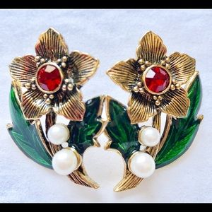 Vintage Avon Enamel Flower Stud Earrings